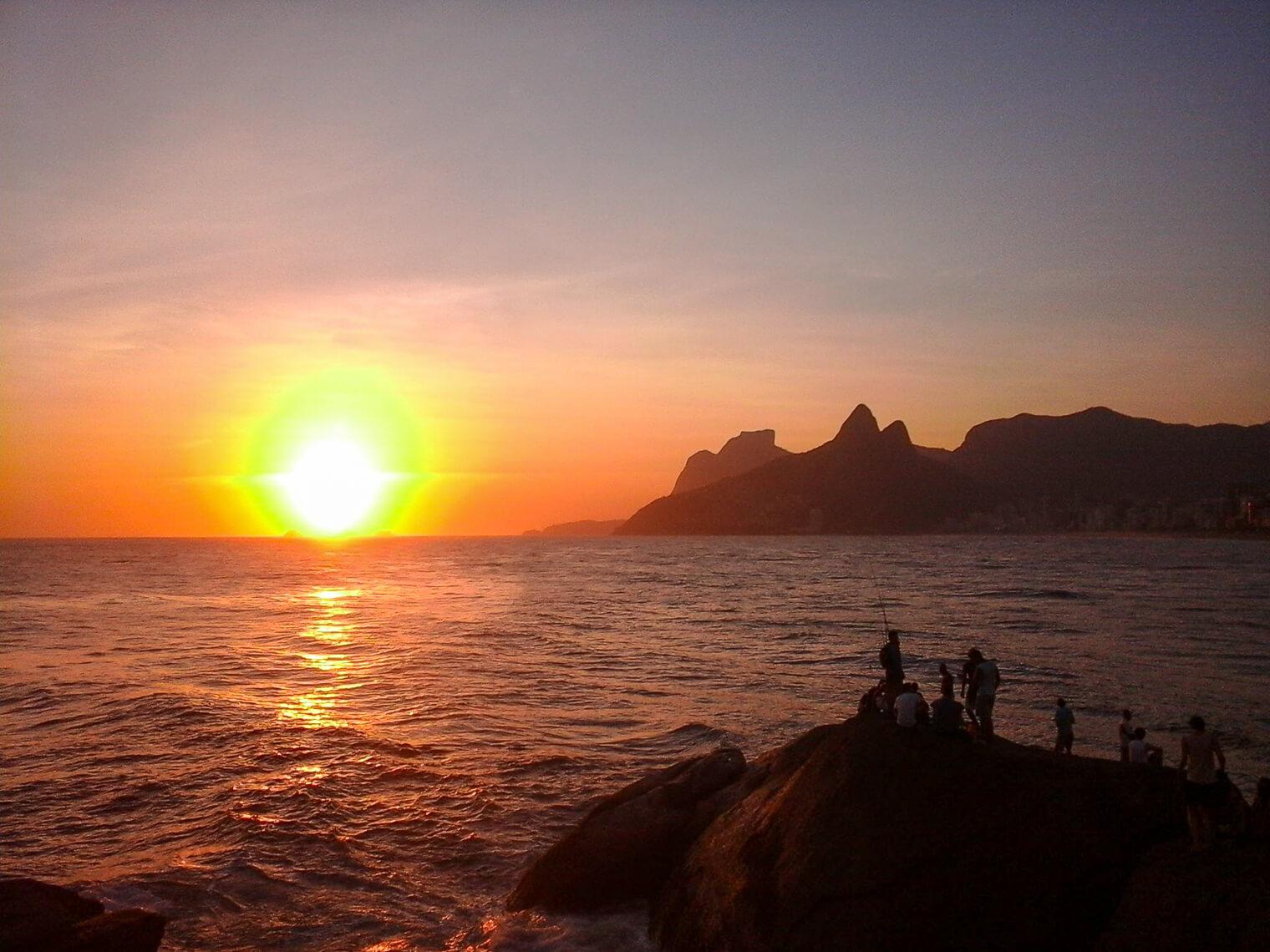 Applaudir le coucher du soleil à Rio de Janeiro